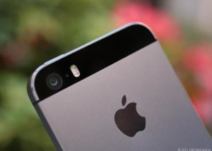 Camera của iPhone 5s được trang bị đèn Flash LED kép